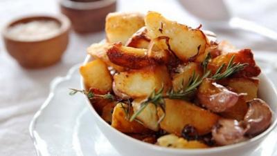 Cum să faci cei mai buni cartofi la cuptor, după rețeta lui Jamie Oliver