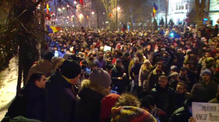 """Avertisment fără precedent după proteste: """"Dacă situația cere, se poate folosi armament adevărat"""""""