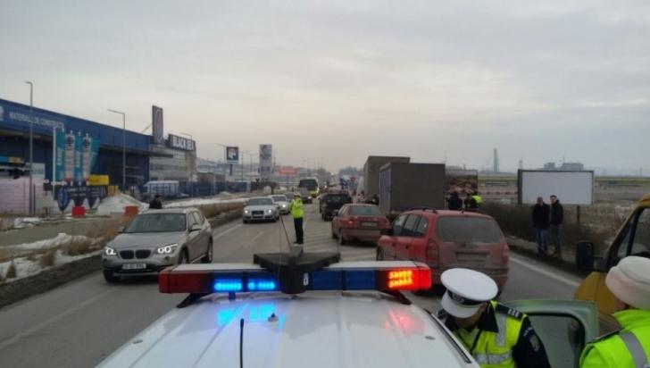 Accident în lanţ în Iaşi. Patru maşini, implicate. Două persoane au fost rănite