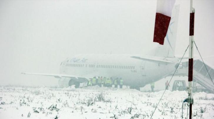 Traficul aerian, în condiții de iarnă. Mai multe avioane au întârzieri