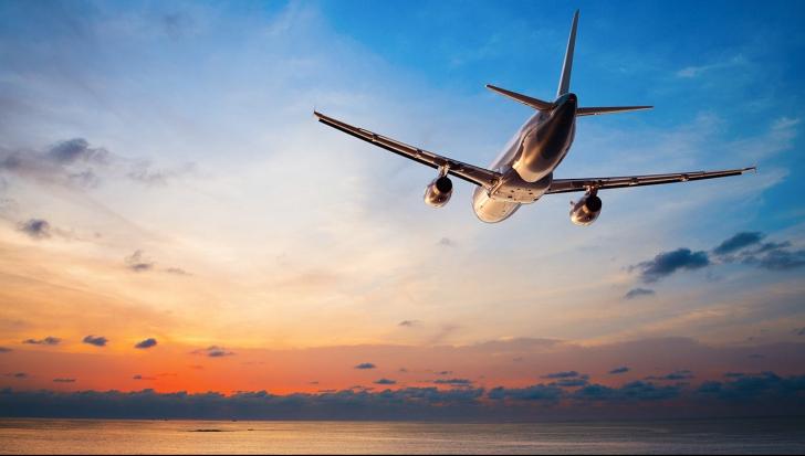 """""""Au călătorit în timp"""". Avionul care a decolat în 2017 și a aterizat în 2016"""