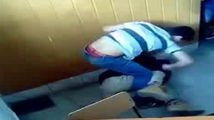 Imagini şocante! Un elev din Lugoj, călcat în picioare de colegii săi