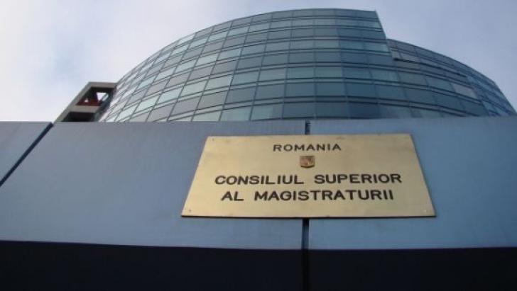 Plenul CSM se întruneşte miercuri pentru avizarea Ordonanţei privind modificarea codurilor penale
