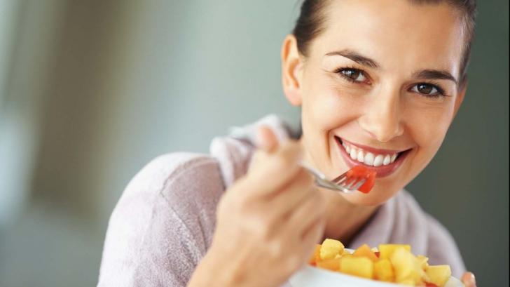 Dieta care te face fericit. Cum să slăbești fără stres și pofte culinare interzise