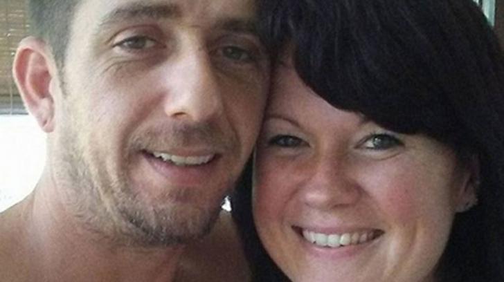 Au fost găsiţi morţi lângă maşina în care se aflau cei trei copii ai lor nevătămaţi
