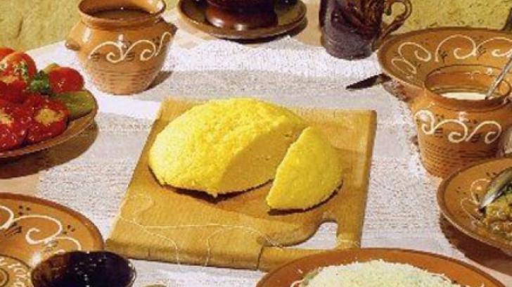 Ce mâncau românii acum 100 de ani? Vei fi uimit de ce alimente puneau pe masă!