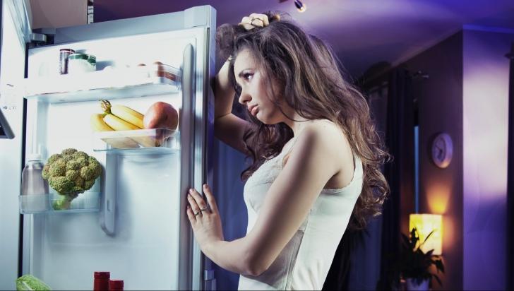 Ce se întâmplă, de fapt, dacă mănânci după ora 18:00