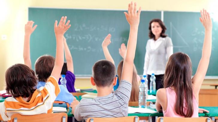 Şcolile, închise luni şi marţi în Bucureşti