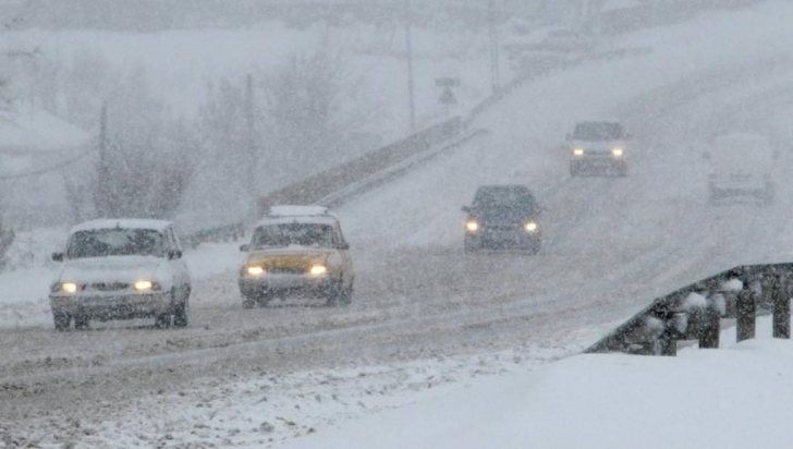 Ce nu trebuie să faceţi când conduceţi pe timp de iarnă! Greşeala pe care o fac toţi şoferii