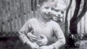 A fost despărţit de sora sa când era mic. După 65 de ani, copilul vecinului îi spune TOT. A îngheţat