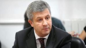 """Florin Iordache, incognito în Piaţa Victoriei: """"Aveam fes în cap şi fular la gât"""""""