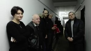 Protest spontan la Consiliul Judeţean Botoşani
