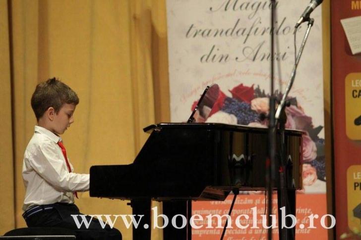 Lecţiile de muzică au beneficii majore asupra dezvoltării copiilor şi tinerilor