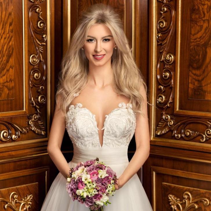 Andreea Bălan a îmbrăcat rochia de mireasă. Cum arată