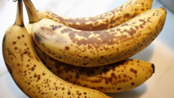 Cât de sănătoase sunt, de fapt, bananele cu pete maronii. Acum că ştii, le mai consumi?
