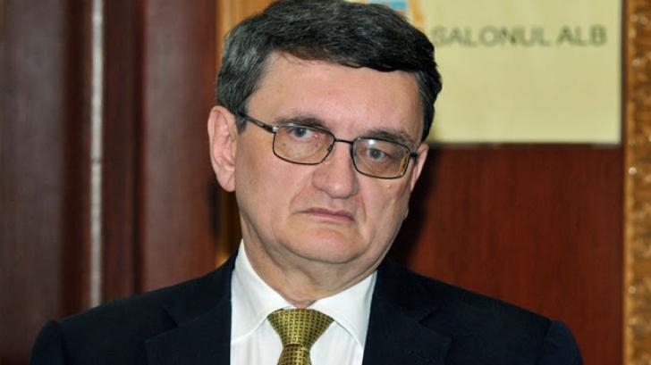 Cererea privind revocarea lui Victor Ciorbea din funcție a fost transmisă comisiilor de specialitate