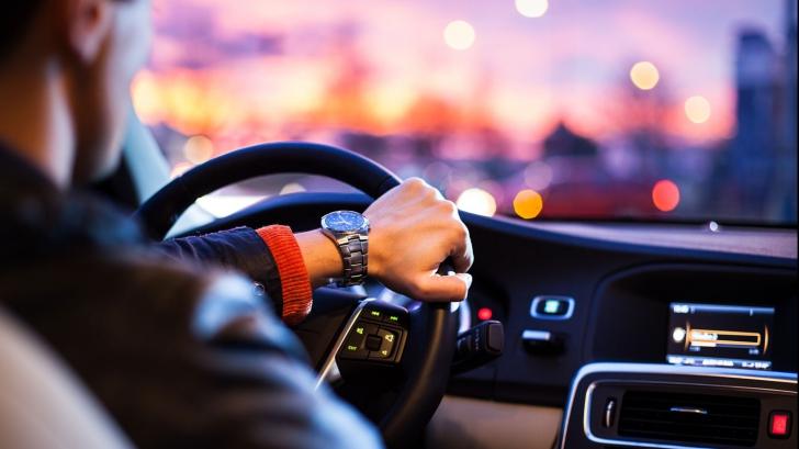Obiceiul care te poate UCIDE la volan! Toată lumea îl are