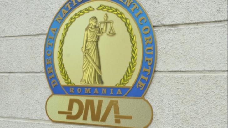 DNA: Fostul director al Direcției Apelor Litoral, acuzat de luare de mită de peste 350.000 de lei