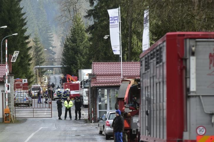 Alertă în Cehia: 19 răniţi, trei în stare gravă, după o serie de EXPLOZII produse într-o fabrică