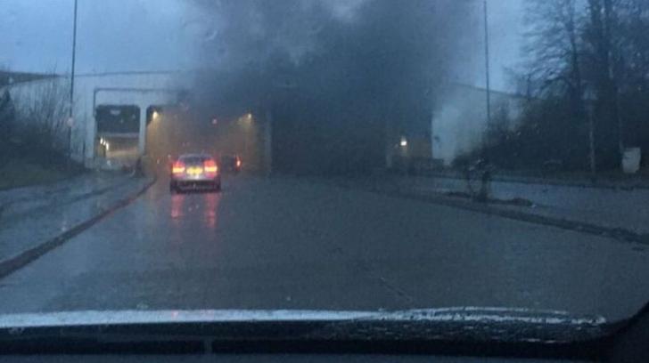 Explozie puternică la aeroportul din Manchester. O pistă este afectată