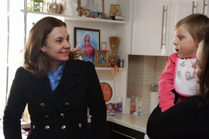 Gafă în Republica Moldova. Cum a mers în vizită la un copil cu nevoi speciale soţia lui Dodon