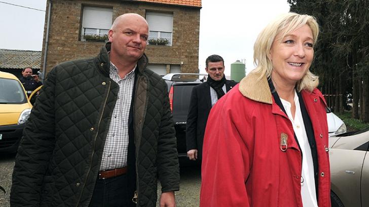 Lovitură pentru Le Pen: garda sa de corp şi şefa de cabinet, REŢINUŢI de poliţie. E implicată şi ea