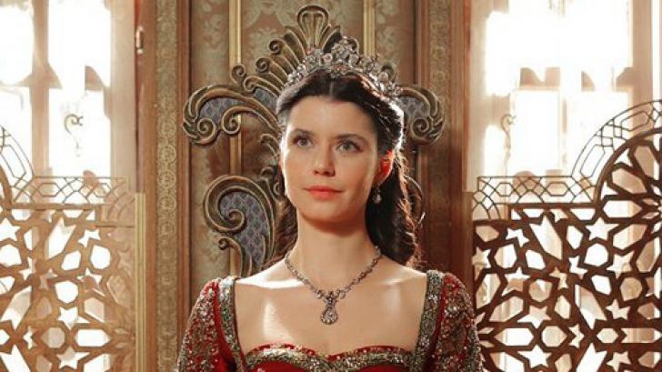Cum arată în realitate sultana Kosem. Seamănă actriţa Beren Saat cu cea care a trăit în anii 1600?