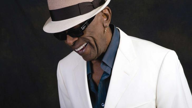 TRAGEDIE în muzică. A murit un mare cântăreţ. Hiturile lui, iubite şi fredonate de întreaga lume