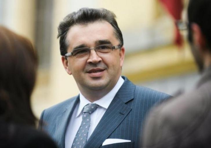 PSD dă în clocot înainte de remaniere. Oprișan îl atacă frontal pe Stănescu