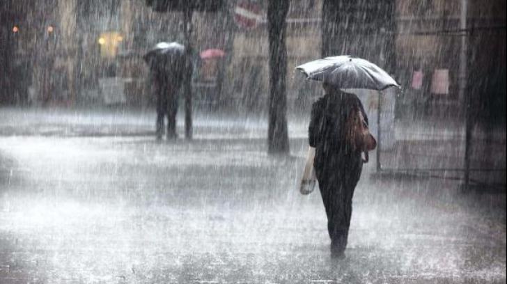 Atenţionare meteo de vreme rea! Ploi şi frig în majoritatea regiunilor ţării