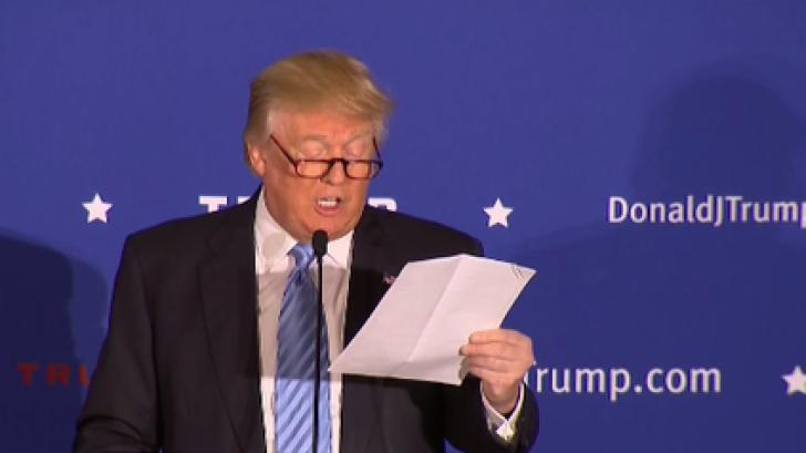 """O teorie a conspirației uimește SUA: """"Trump nu știe să citească?"""" Ce dovezi aduc cei care spun asta"""