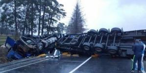 DEZASTRU pe şosea! Un român a provocat un accident grav în Italia: 2 morţi, 9 răniţi
