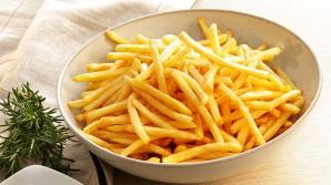 Cea mai mare greşeală pe care o faci când prăjeşti cartofii. Creşte riscul de CANCER!
