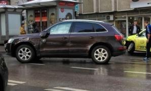 Deputat PSD, accident în faţa sediului SRI din Iaşi. Bărbatul se urcase băut la volan / Foto: ziaruldeiasi.ro