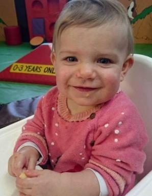 """După ce a pierdut 16 sarcini, a născut o """"bijuterie"""" de fetiţă! În 14 ore, copilul a murit! CAUZA?"""