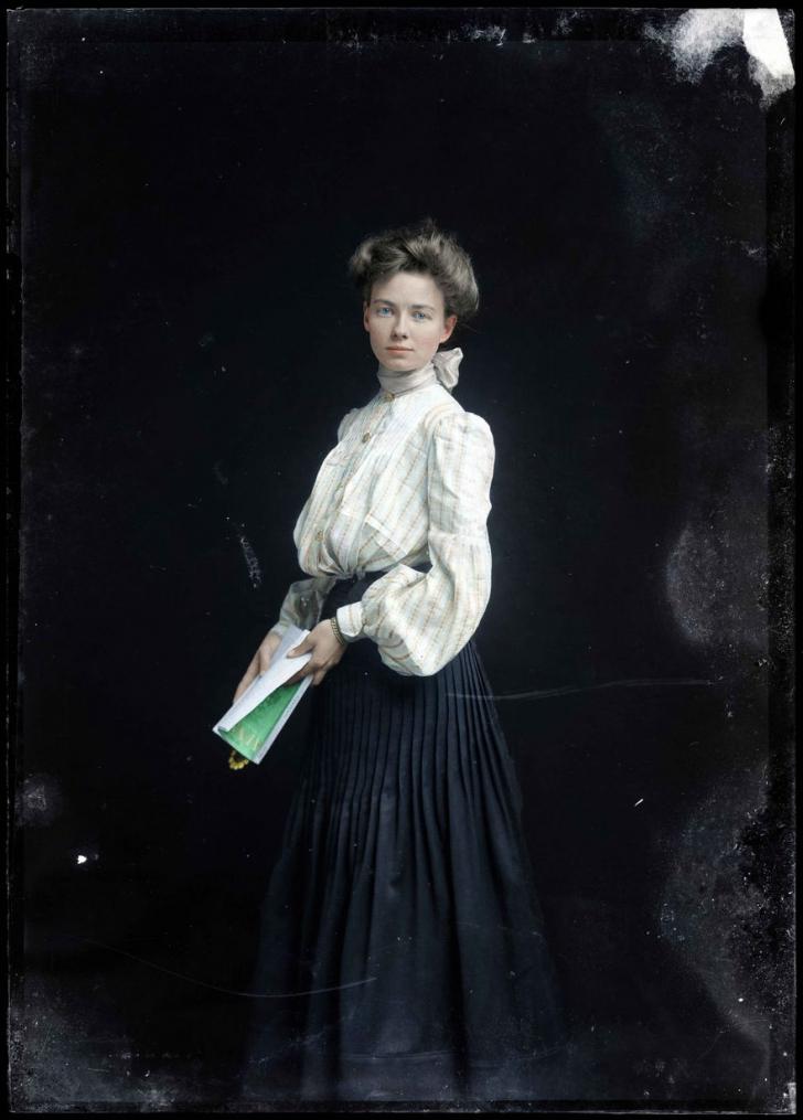 Cum arătau primele fotomodele din lume, care au pozat sexy în urmă cu 100 de ani. Ele dictau moda