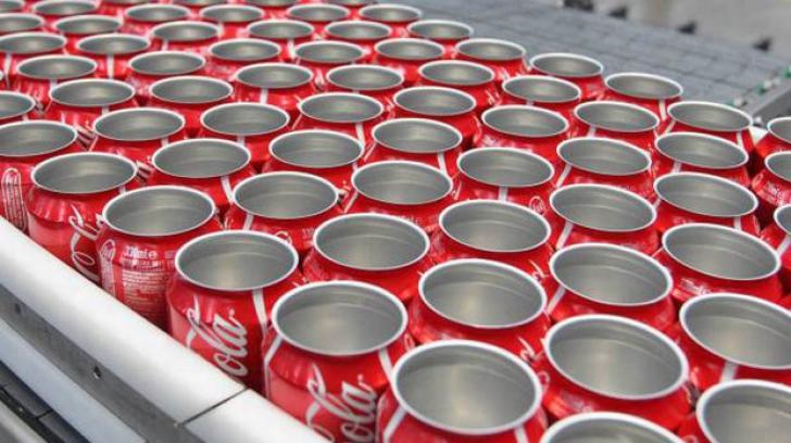 Fabrica Coca Cola din Irlanda, ÎNCHISĂ. Ce s-a găsit în cutiile de suc