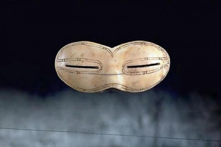 Cum aratau obiectele casnice acum mii de ani: sosetele aveau 2 degete, prezervativul era refolosibil