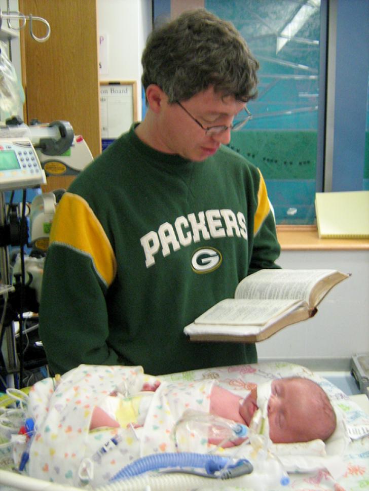 """Întâi a aflat că e însărcinată, apoi a primit vestea: """"Va muri!"""". Decizia femeii a fost clară"""