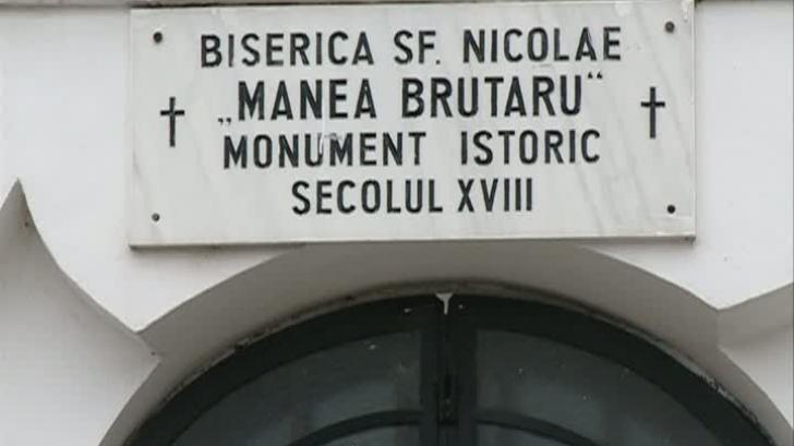 """O biserică din Capitală, declarată monument, a fost """"mutilată"""""""