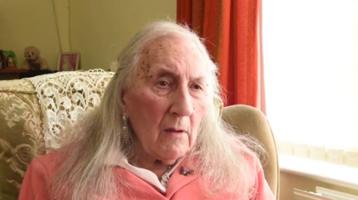 Are 90 de ani, este veteran, și și-a dat seama că vrea să fie femeie. Cazul șocant al Patriciei