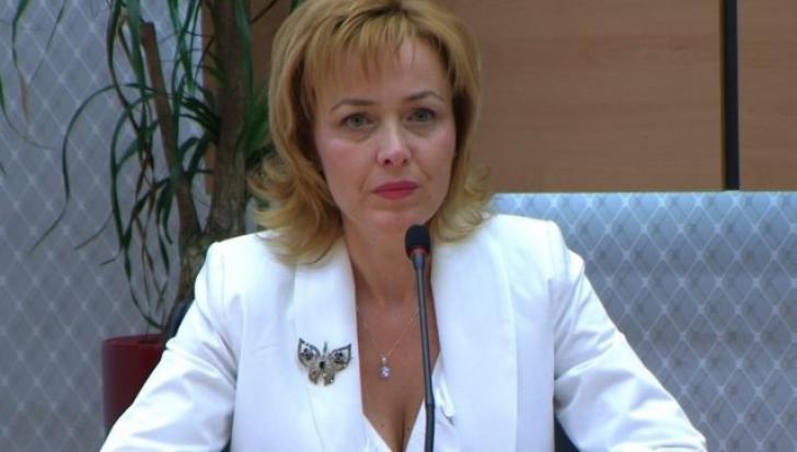 Carmen Dan, lămuriri despre buletinele electronice: Persoanele nu pot fi urmărite cu acest CIP