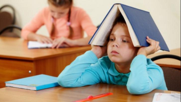 Nu obligați copilul să învețe cunoștințe care-i depășesc vârsta! Ce se poate întâmpla