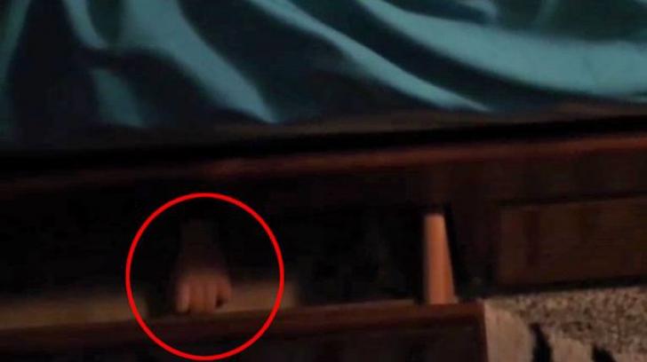 Își filma vlogul, iar camera s-a lăsat brusc în jos! Toți s-au speriat când au văzut imaginile