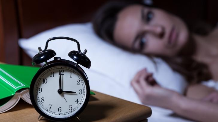 De ce nu-ți mai este somn când te așezi în pat să te culci