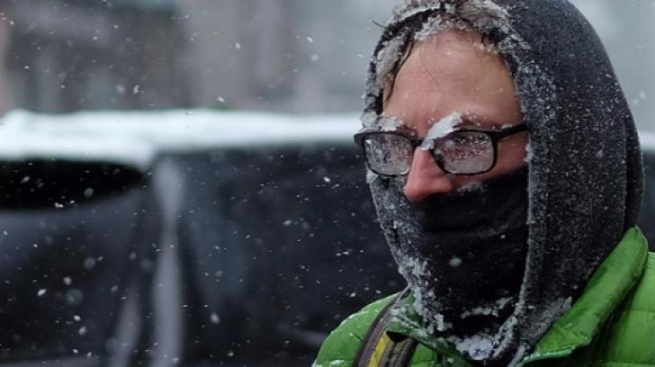 Iarna nu se lasă dusă! Informare METEO de vânt puternic, ninsori viscolite şi ploi