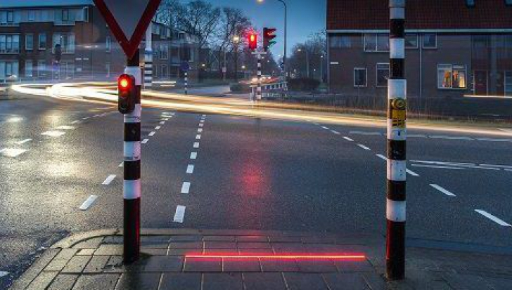 Stop accidentelor pe trecerile de pietoni! Proiectul genial al locuitorilor unui oraş european