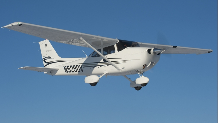 Cel mai bizar accident aviatic din ultima vreme. Ce s-a întâmplat cu un pilot după prăbușire
