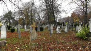 Bebeluşul a fost îngropat într-un cimitir. După câteva zile, nişte sunete s-au auzit din pământ.Şoc!