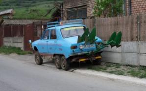 """""""Dacia cu 6 roţi"""". Invenţia unui mecanic din Alba pe care mulţi şi-ar dori s-o conducă. Motivul?"""